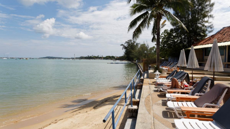 Chalong Bay | Beach Phuket. In front of Ao Chalong Villa & Spa