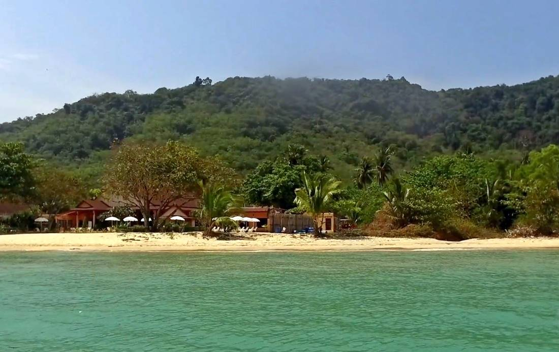 View from the sea of a Koh Lon Island Beach on the west coast