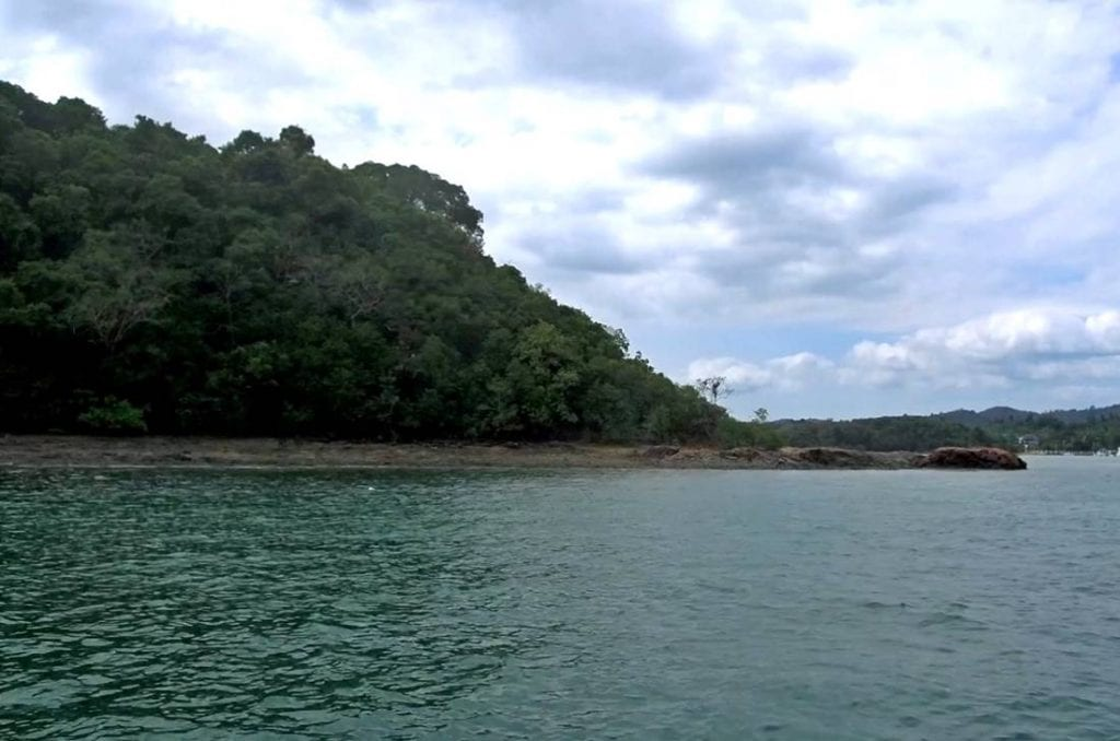 Sea view of one of Koh Raet Island Beach