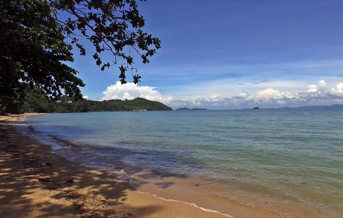 View of a beach and the sea from Koh Sire Island